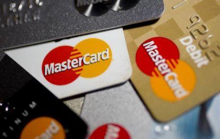 В Крыму полностью прекращен выпуск карт Visa и Mastercard