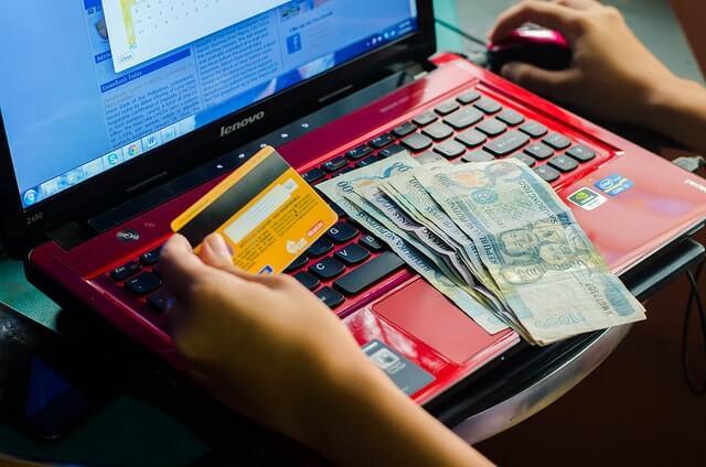 дебетовая карта с кешбеком и бесплатным обслуживанием